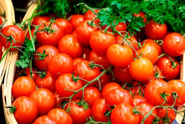 Томат Черри Блосэм F1: характеристика и описание сорта, урожайность с фото